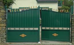 portail aluminum style fer forgé
